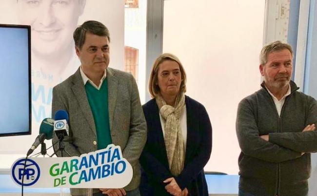 El PP ha presentado una iniciativa en el Congreso de los Diputados pidiendo que se apoyen y se impulsen  los correspondientes estudios de viabilidad  de la unión ferroviaria del Puerto de Motril con Granada capital. Instando a la Unión Europea a considerar al Puerto de Motril como un nudo logístico dentro de la Red Transeuropea de Transportes y a introducir en la misma las conexiones ferroviarias Motril - Granada, Motril - Almería y Motril – Málaga.