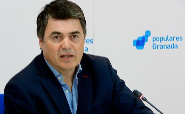 """Carlos Rojas: """"Estas acciones de fomento al emprendimiento reactivarán la economía y fomentarán la contratación laboral que  sumados  al Plan de Pago a Proveedores servirán para fortalecer  el sector de autónomos y PYMES dando cifras importantes de crecimiento y estabilidad económica""""."""