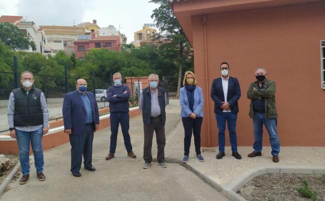 José Robles, senador del PP por Granada y Luisa García Chamorro, alcaldesa de Motril, se reúnen con la Comunidad General de Regantes del Bajo Guadalfeo