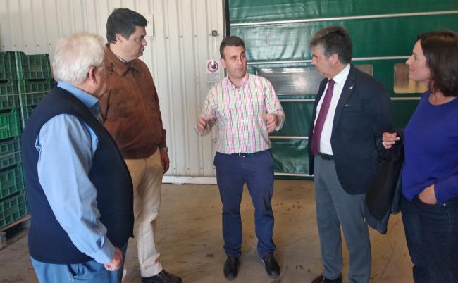 El candidato del PP al Congreso por Granada, Carlos Rojas, afirma que las propuestas de Pablo Casado serán un auténtico revulsivo a la creación de empleo en el sector turístico y agrícola