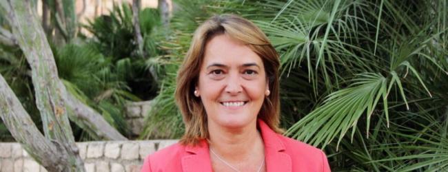 La moción solicita que se inste a la Junta de Andalucía a agilizar todos los trámites administrativos pendientes para que esta modificación del PGOU se lleve a cabo a la mayor brevedad posible.