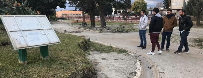NNGG de Motril invitan a Almón a que visite el Parque de las Américas para que  compruebe el lamentable estado en el que se encuentra y le piden que proceda a su arreglo, mantenimiento y adecentamiento cuanto antes.