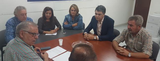 En la reunión tanto populares como regantes han puesto en común las últimas actuaciones que ha desarrollado respecto a RULES antes de la moción de censura de Sánchez al gobierno nacional popular y han puesto sobre la mesa la situación actual en la que se encuentra el proyecto.